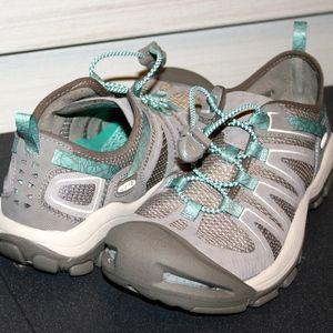 KEEN MCKENZIE II SZ 8.5 Woman's Trail Shoe NEW